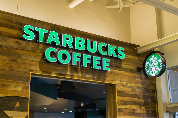 how much it costs to open a Starbucks franchise