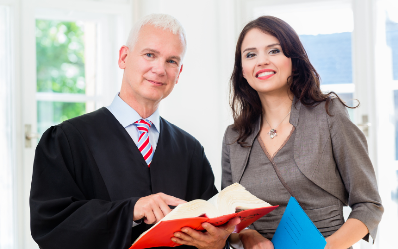 How Much Do Paralegals Earn
